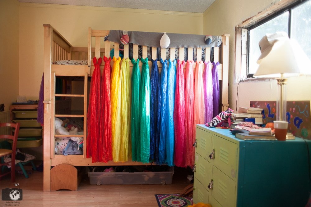 diy-rainbow-bed-canopy-0629 & DIY Rainbow Bed Canopy for Bunk Beds